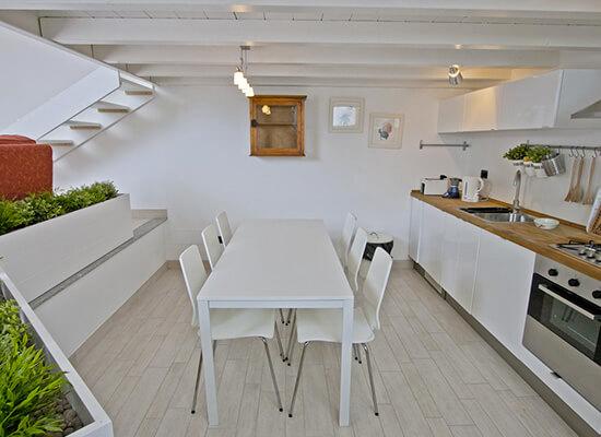 appartamento-cucina-attrezzata-a-Bellagio-Italia